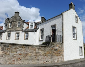 On 16th May, Fife Historic Buildings Trust will celebrate the restoration of explorer John McDouall StuartÕs house in Dysart to a holiday apartment.  The holiday apartment will be officially opened at 12 noon on 16th May by Kaye Bachelard who is the great, great, great, grand-niece of John McDouall Stuart. The Trust tracked down Kaye after launching a search in February for descendants of the explorer. Pic shows: Kaye Bachelard outside the house.